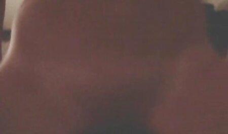 قابل توجه مرد چت تصویری سکسی رایگان fucks در دختر نوجوان در رابطه جنسی مقعدی از طریق جوراب شلواری پاره
