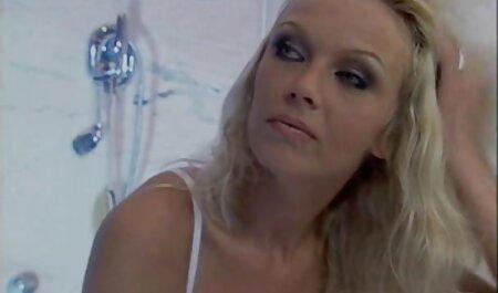 مهمان نتراشیده راضی دوست دختر کونای و با خیال راحت بر روی چت تصویری انلاین سکسی نیمکت فرار