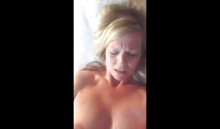آنها خدمتکار به توالت عمومی داد, و پس از آن همسر به سکس چت تصویری رایگان اتاق خواب