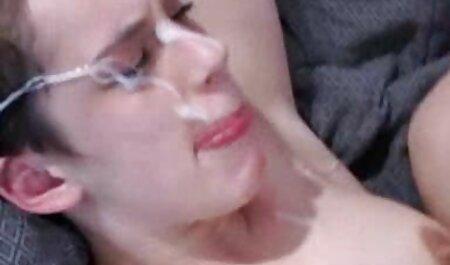پسر ریشو کلاه کمی بیش از نرم افزار سکس چت تصویری حد رشد دختر کوچک را تمیز کرد