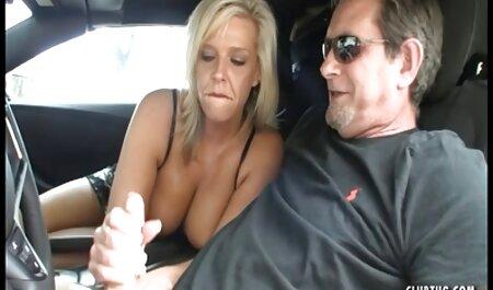 مرد سالم fucks در یک دختر نوجوان برنامه چت سکسی با دیک بزرگ