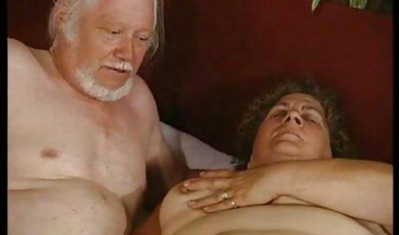 پورنو داغ با غنیمت زیبا از عشق سکس چت تصویری