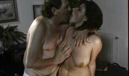 خشن, رابطه سکس چت آزاد جنسی برای سبزه زرق و برق دار با الاغ و کلاه
