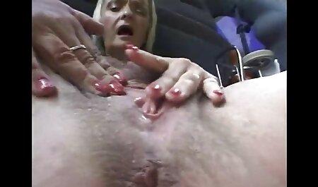 ماساژ دهنده عضلانی چت روم سكسي نمی تواند مقاومت در برابر و عضو به چهره مشتری به ارمغان آورد