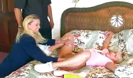 مسافر موافقت کرد که برای رابطه جنسی در فضای دانلود برنامه سکس چت تصویری باز پرداخت
