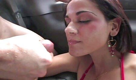 صبح رابطه جنسی چت روم سکی با ساک زدن و چوچوله بازبان و دهان داغ عاشقان در اتاق خواب
