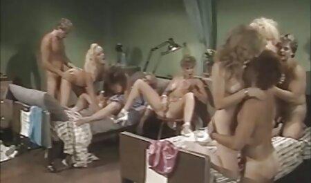 خدمات اضافی از یک سکس چت ویدیویی عضو ماهر در سالن برنزه